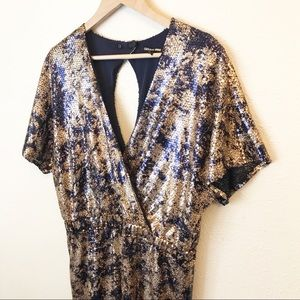 Gianni Bini Dresses - Gianni Bini gold sequin cocktail mini dress Sz L
